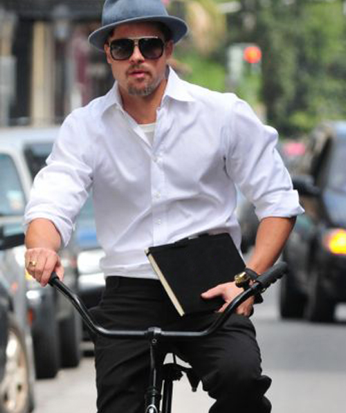 Brad Pitt and his trusted moleskine