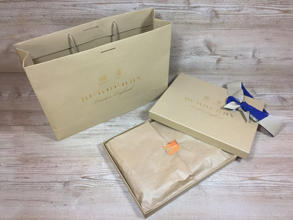 Burberry luxury packaging set