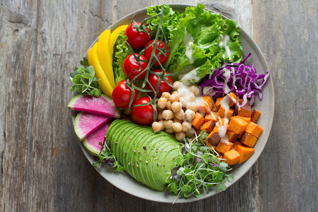 vegan-food-bowl-with-colourful-vegetables
